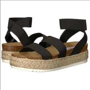 NWB Steve Madden KIMMIE BLACK sandals